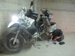 balcani-moto-bmw-gs-foratura