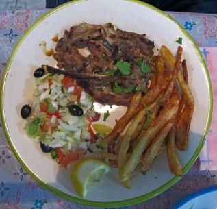 in tunisia la salade tunisienne cibo