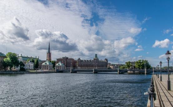 1. Uno dei ponti per accedere all'isola Gamla Stan, il cuore vecchio di Stoccolma